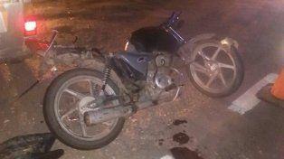 Desvío Arijón: dos motociclistas heridos al chocar con una camioneta en la ruta 11
