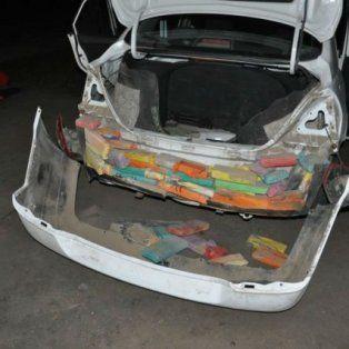 En 2016. La pareja intentó cruzar un control de Gendarmería pero un agente advirtió algo extraño en el auto.