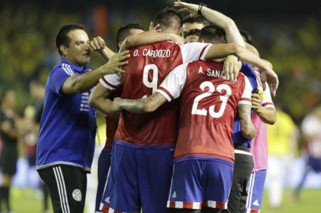 Paraguay recibirá a Venezuela en busca del último milagro