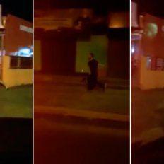 Su ex le sacó el celular y ella salió a correrlo desnuda por la calle