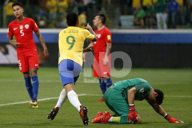 Brasil goleó a la Chile de Pizzi y la dejó sin Mundial