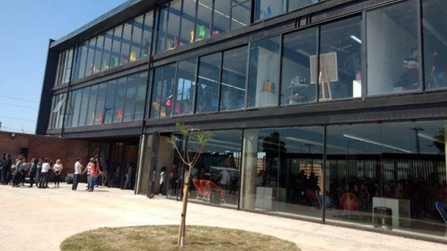 Macri llega a Santa Fe para recorrer junto al intendente el nuevo edificio Nido en Barranquitas