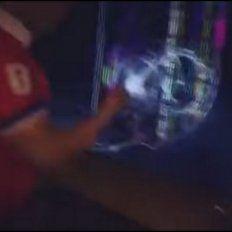 Pobre chileno...no aguantó la decepción de quedarse sin Mundial y rompió el televisor