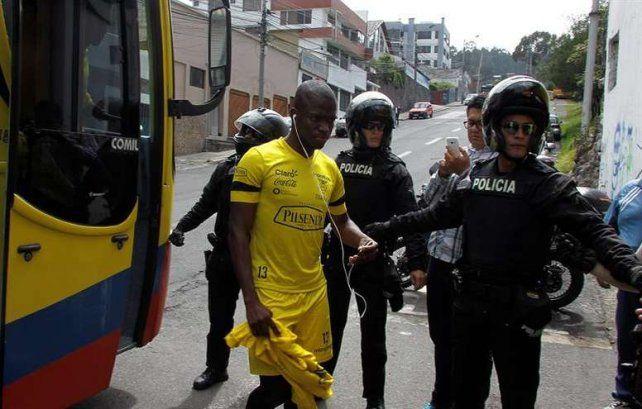 Ecuador expulsó a cinco jugadores que se escaparon de la concentración