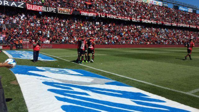 Colón le ganó 2 a 0 a Temperley y se prende en la pelea de la Superliga
