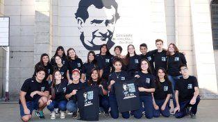 Un grupo de estudiantes se va de viaje de egresados a las Malvinas