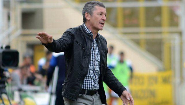 Mario Sciacqua dejó de ser el entrenador de Olimpo