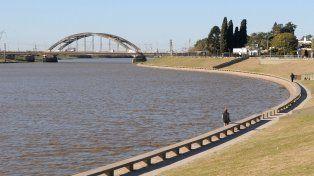 rescataron una joven que se arrojo a las aguas del rio salado en santo tome