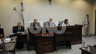 El Tribunal. Ayer jueves, a las 19, los juces Lauría, Vella y Escobar Cello dieron los fundamentos de la sentencia.