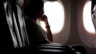 Especialistas aseguran que las personas que eligen ventanilla en los aviones son más egoístas