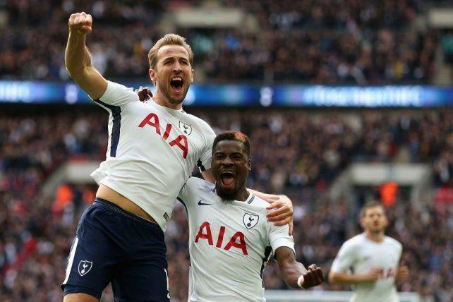 Tottenham goleó a Liverpool y acortó la brecha con el líder Manchester City