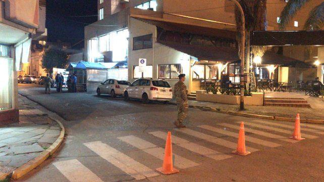 Operativo. En el Tribunal Electoral ya se espera la llegada de las urnas. El tránsito está interrumpido en 1º de Mayo a la altura de General López.