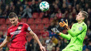 Alario sigue afilado y Leverkusen avanza en la Copa alemana