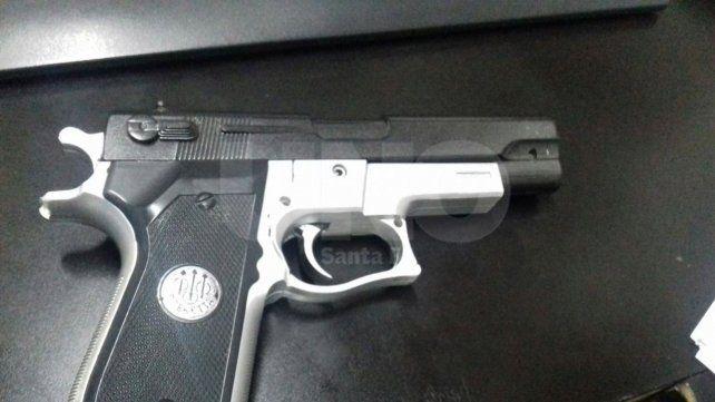 El arma usada en el asalto al carnicero había sido robada a un penitenciario de Vera