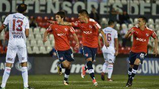 Independiente goleó en Paraguay y tiene un pie y medio en las semifinales