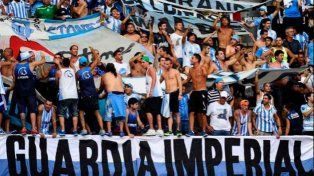 Repudio total: la barra de Racing desvalijó a los juveniles de Huracán