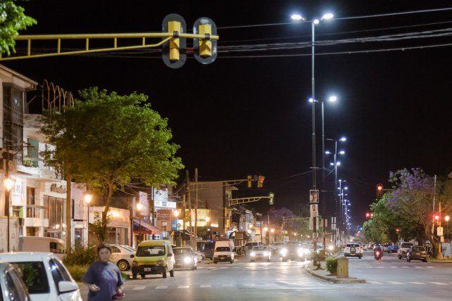 Avance.En cinco avenidas troncales de la ciudad el Gobierno de la Ciudad lleva adelante el reemplazo de las luces de sodio por tecnología led.