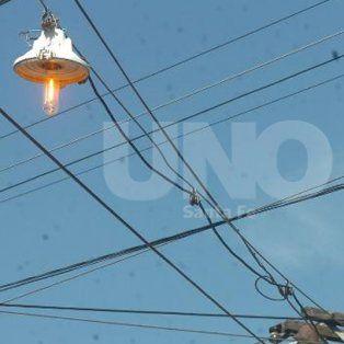 saldo tragico de la tormenta: un hombre murio electrocutado en nueva pompeya
