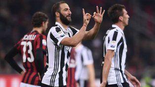 Higuaín pasó los 100 goles en el triunfo de Juventus sobre Milan