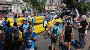 Cortes de calle y desvíos de colectivos por la Maratón Aniversario de la UNL