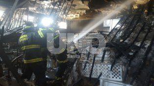 Sofocaron un incendio en la casa central de panaderías Balear