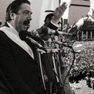 diferentes homenajes al cumplirse 34 anos de las elecciones presidenciales que gano raul alfonsin