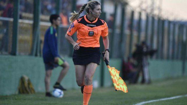 La rafaelina Gisela Trucco hizo historia en el arbitraje argentino