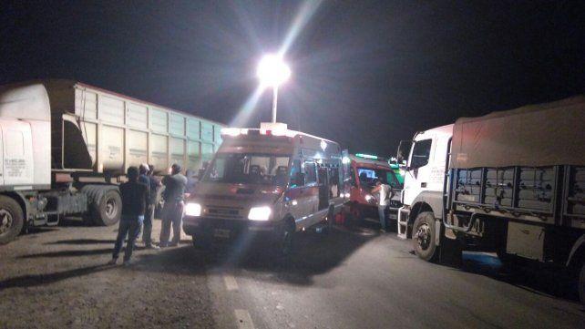 Violento choque entre camiones en ruta nacional A 012 dejó heridos