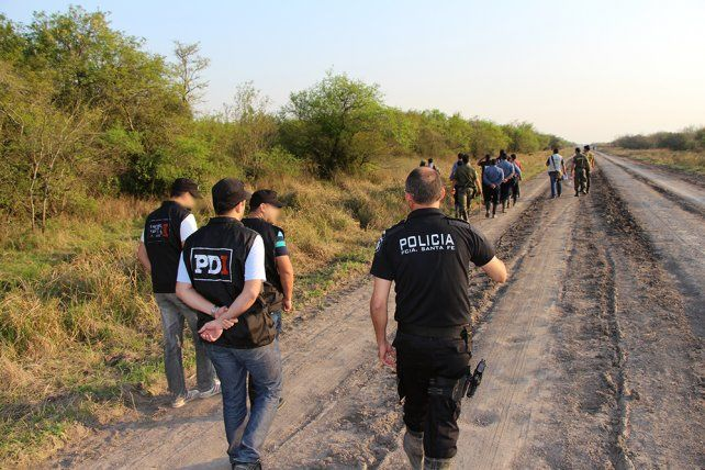 Patrullaje. Fuerzas federales y provinciales participan de la búsqueda de Rosalía.