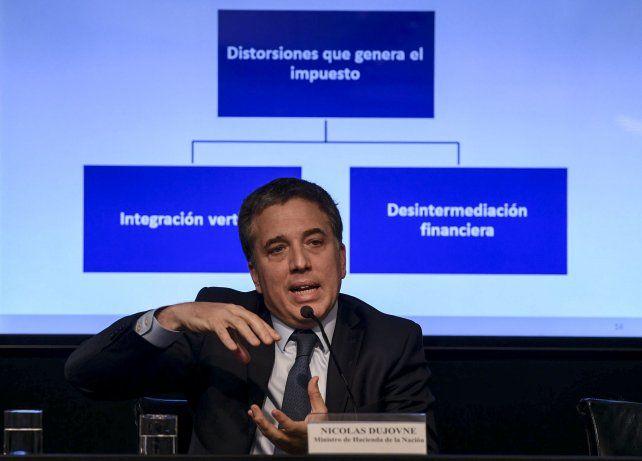 Dujovne anunció la eliminación al impuesto a la transferencia de inmuebles