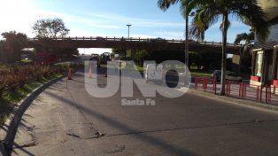 Hay desvíos de tránsito en el acceso al puente Oroño