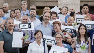 Ya son 4.092 las familias santafesinas que recibieron las escrituras de sus viviendas
