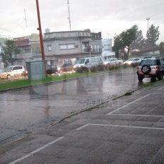 Llegó la lluvia y trajo el alivio: la temperatura bajó casi 10 grados en la ciudad