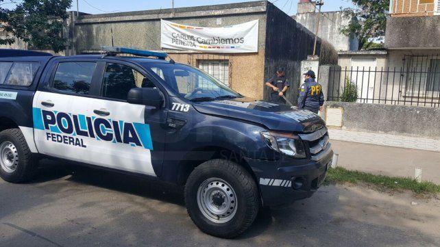 Cayó preso un estafador durante un allanamiento a una vivienda en barrio Santa Lucía
