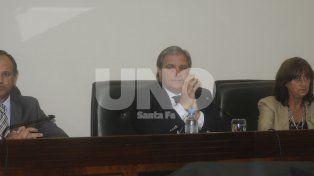 Sentencia. El tribunal de jueces compuesto por Escobar Cello