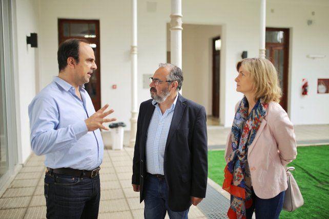 Corral recorrió el nuevo edificio del Instituto Superior N° 12 Gastón Gori