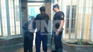 Vecinos atraparon a un violento asaltante y se lo entregaron a la policía
