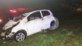Dos autos chocaron dos vacas en la autopista Santa Fe - Rosario y lo pueden contar
