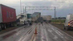 Se produjo un violento choque entre camiones sobre la ruta 34
