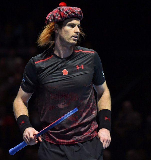 Roger Federer jugó con pollera