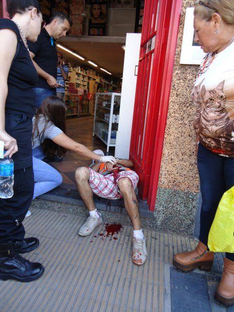 Apuñalaron a un joven a metros de la Municipalidad