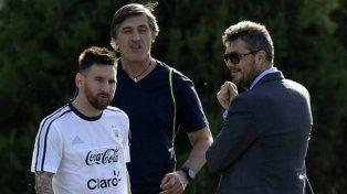 Tinelli acompaña a Messi en la promesa