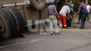 Franck: volcó un camión con semirremolque en la ruta provincial 6