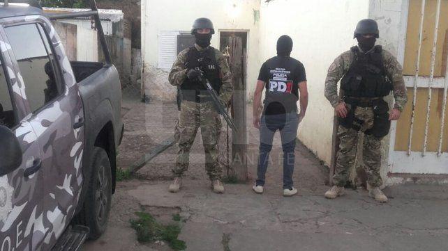 Cayeron presos cuatro vendedores barriales de drogas y secuestraron estupefacientes