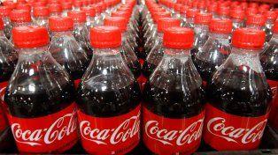 Por el impuesto a las bebidas, Coca-Cola analiza suspender el plan de inversión por u$s 1.000 millones