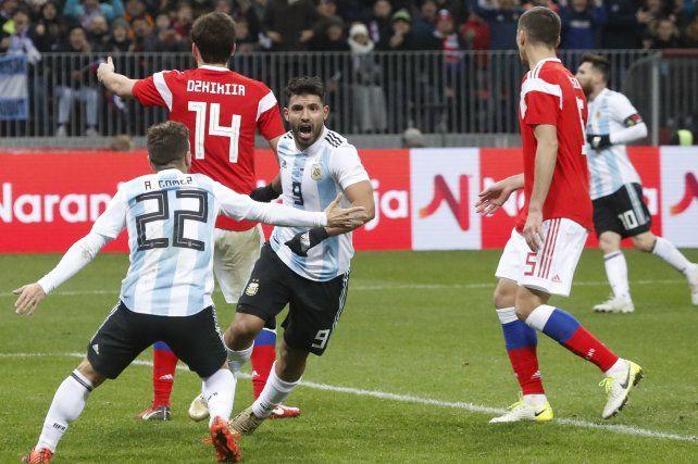 Por la magia de Messi y el gol de Agüero, Argentina le ganó a Rusia en Moscú
