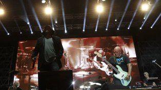 Los Cadillacs brindaron un show a puro hit