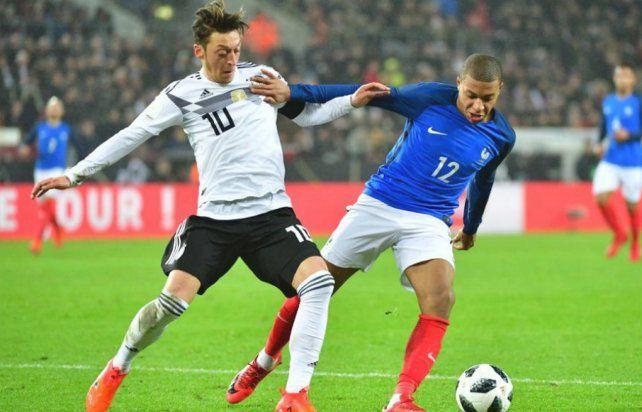 Alemania y Francia empataron en un duelo de candidatos