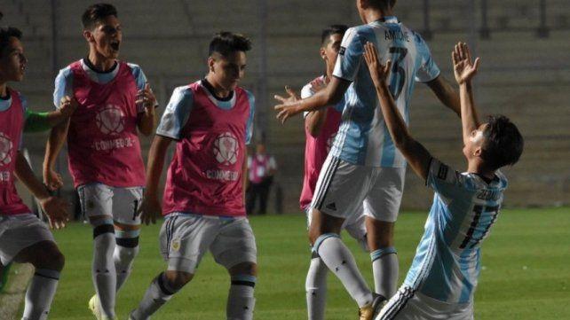 Argentina se mide con Perú en una de las semifinales del Sudamericano Sub 15