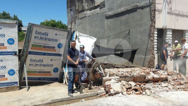 Se derrumbó una pared de una obra en construcción en el macrocentro